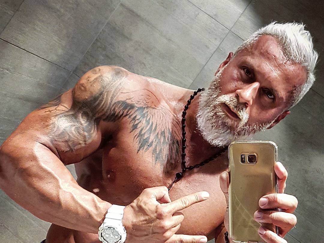 35 év feletti férfiak)