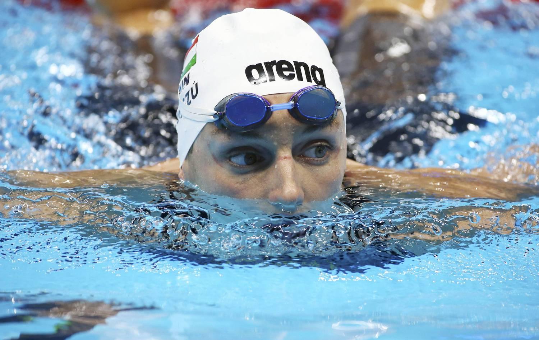 úszás és merevedés)