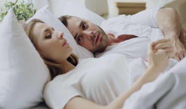gyors merevedés az ágyban)
