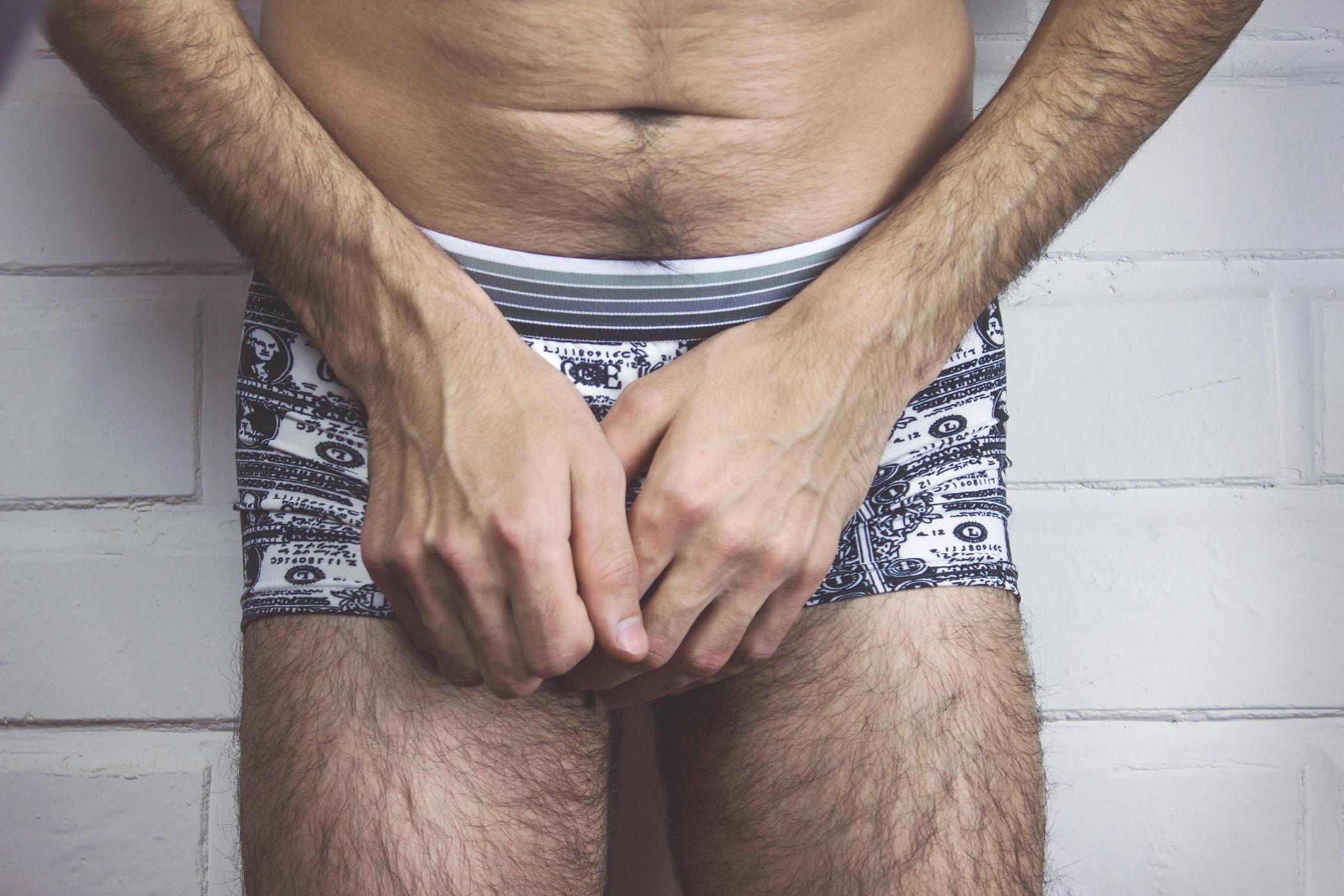 a férfiaknak hatalmas péniszük van