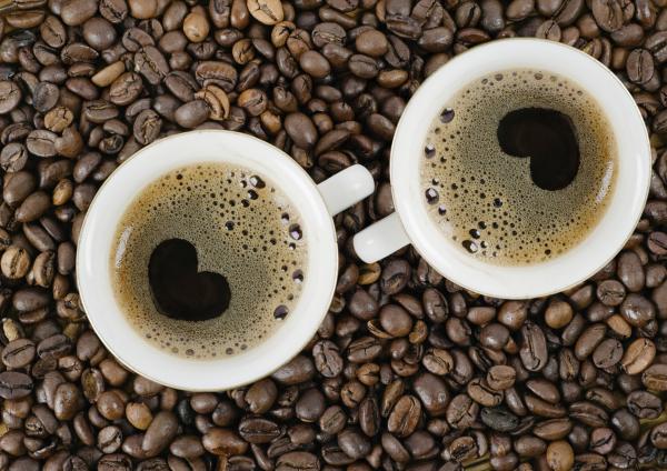 Így befolyásolja a férfiak erekcióját a reggeli forró kávé