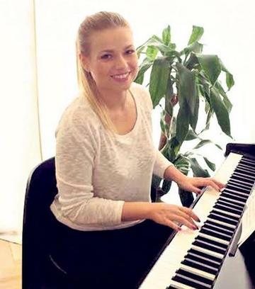 pénisz zongora)
