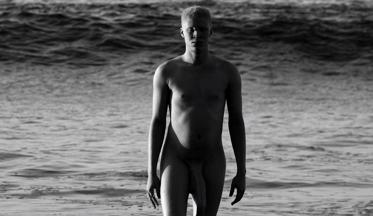 pénisz férfi modell)