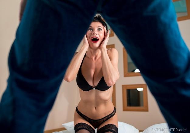 egy lány szexi pénisz)