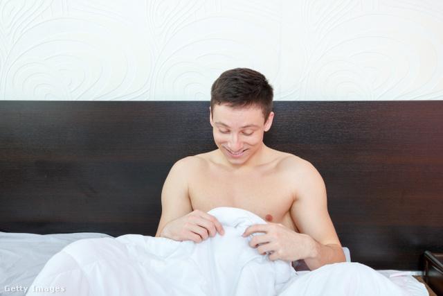 férfi reggeli erekció)