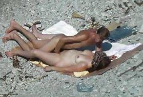 fénykép nudisták a pufók a tengerparton testmozgás a potencia és az erekció javítására