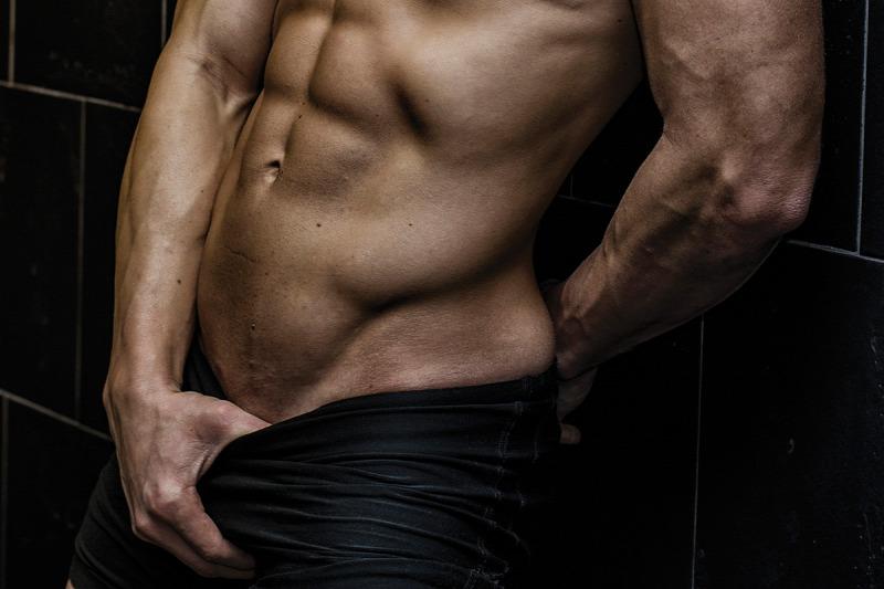 férfiak péniszekkel
