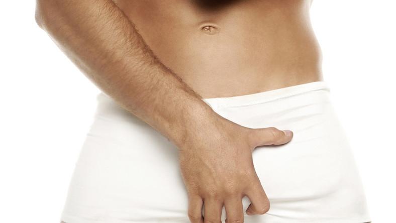 fájdalom a pénisz belsejében lévő erekció során