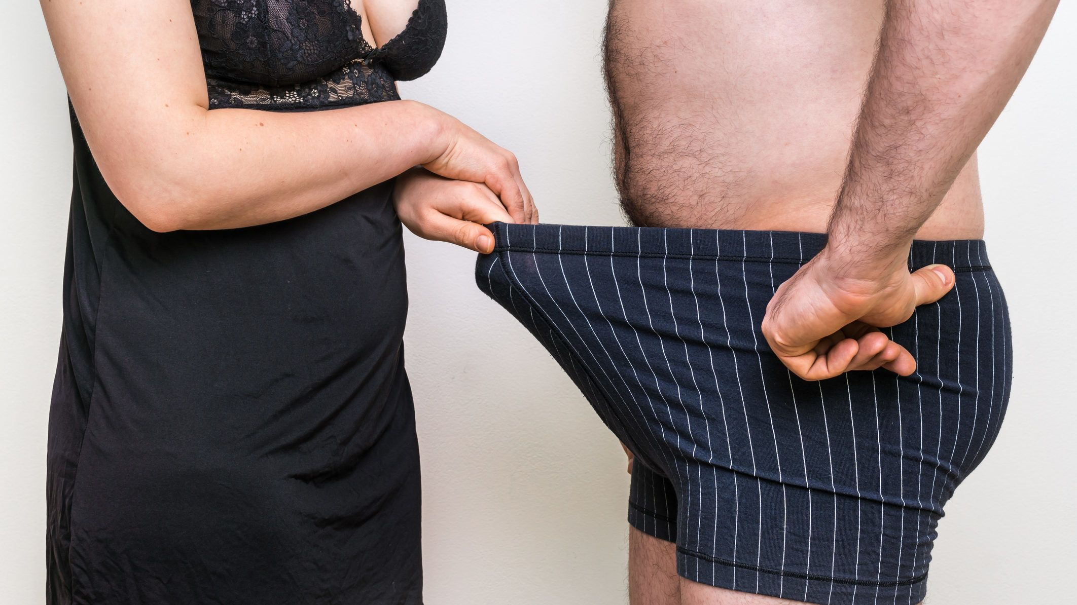 otthoni körülmények között a pénisz vastag volt amely hosszú erekció esetén hatásos