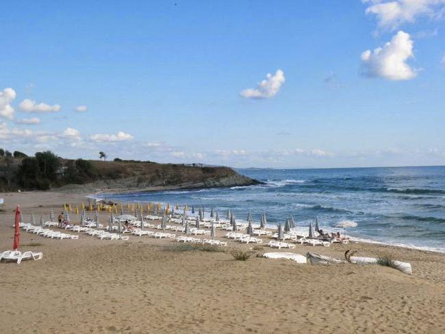 videós pufók srác a tengerparton