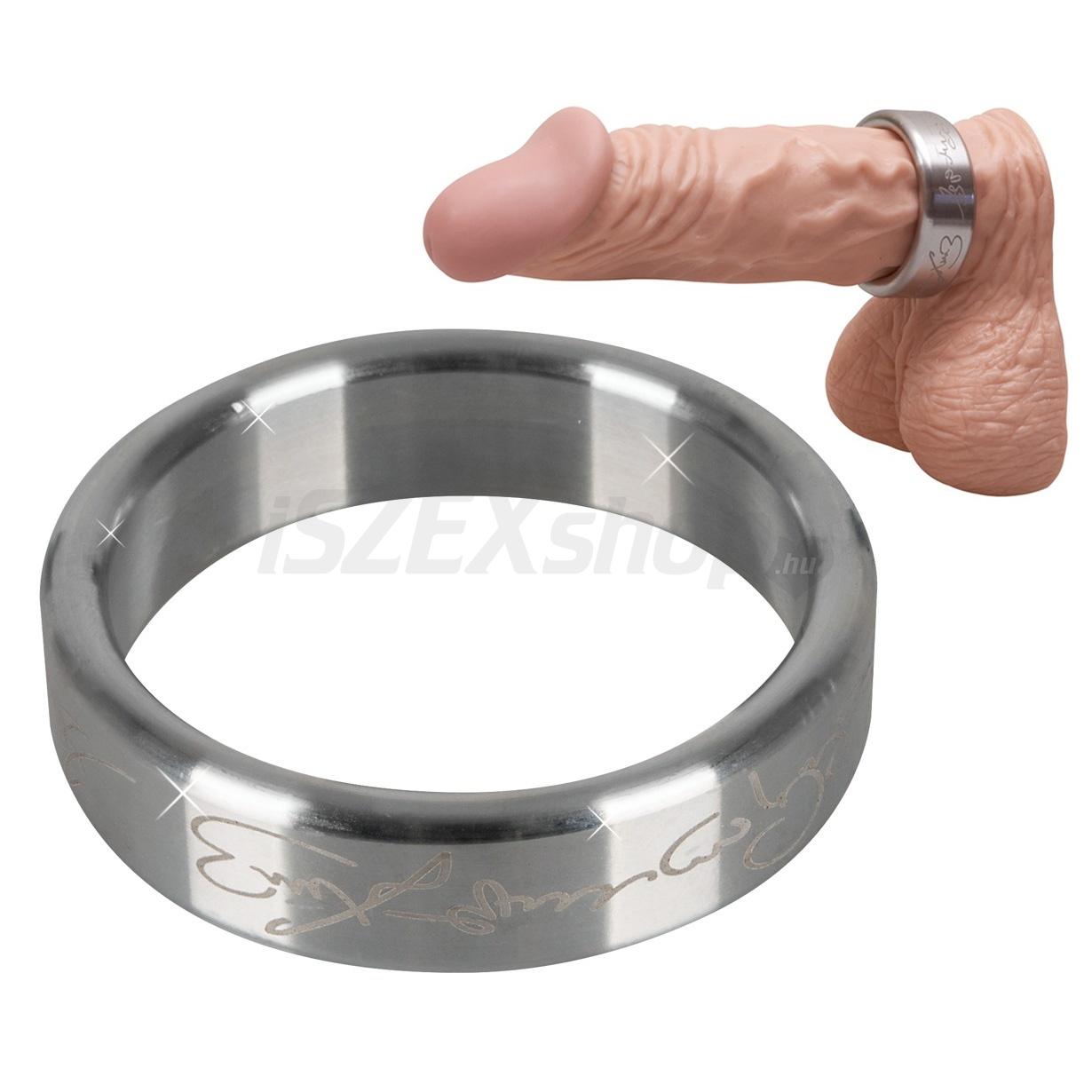 fém péniszgyűrű)