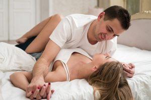 mit kell inni az erekció helyreállításához szúrja be a péniszt