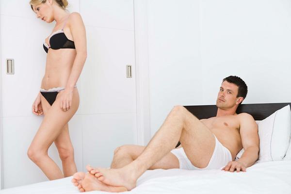 nincs erekció más nőkkel)