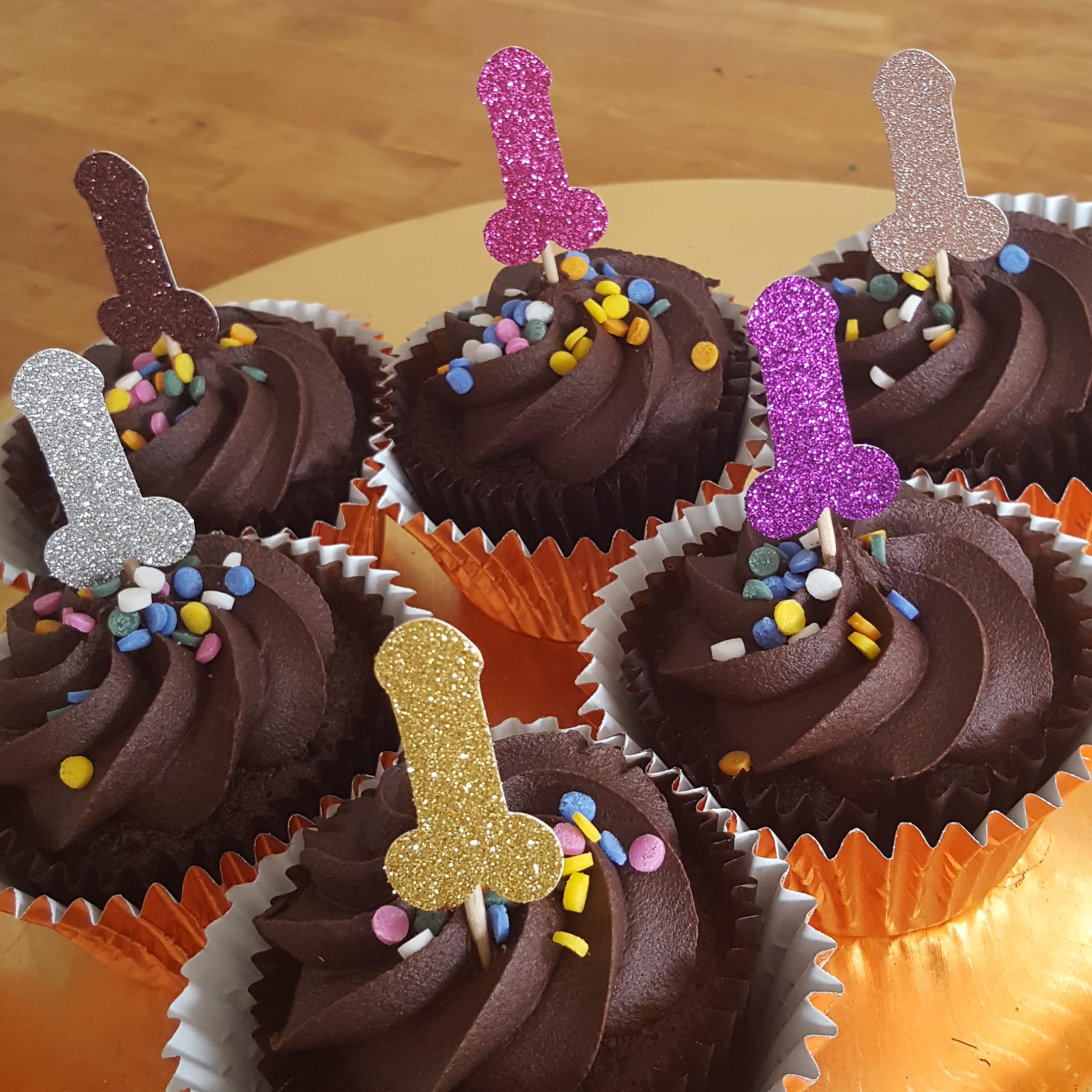 pénisz cupcake)